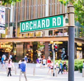 Die weltberühmte Orchard Road von Singapur - ein Shoppingparadies für Luxusmarken