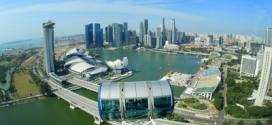 Aussicht aus 165 m aus dem Singapore Flyer auf die Skyline von Singapur - ein beeindruckendes Erlebnis